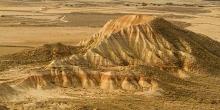Desert-des-Bardenas-Reales-Espagne-photo-montagne