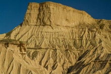 desert-bardenas-espagne-montagne-ravinée-paysage-photo-