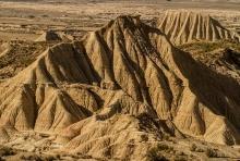 desert-bardenas-montagne-raviné-photo-paysage