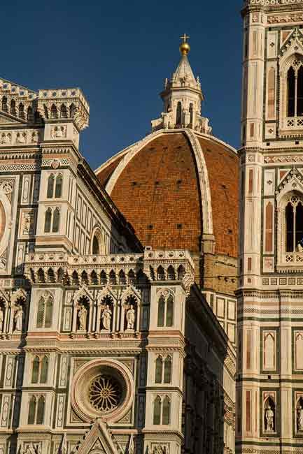 26-Duomo-et-sa-coupole-Florence-Italie
